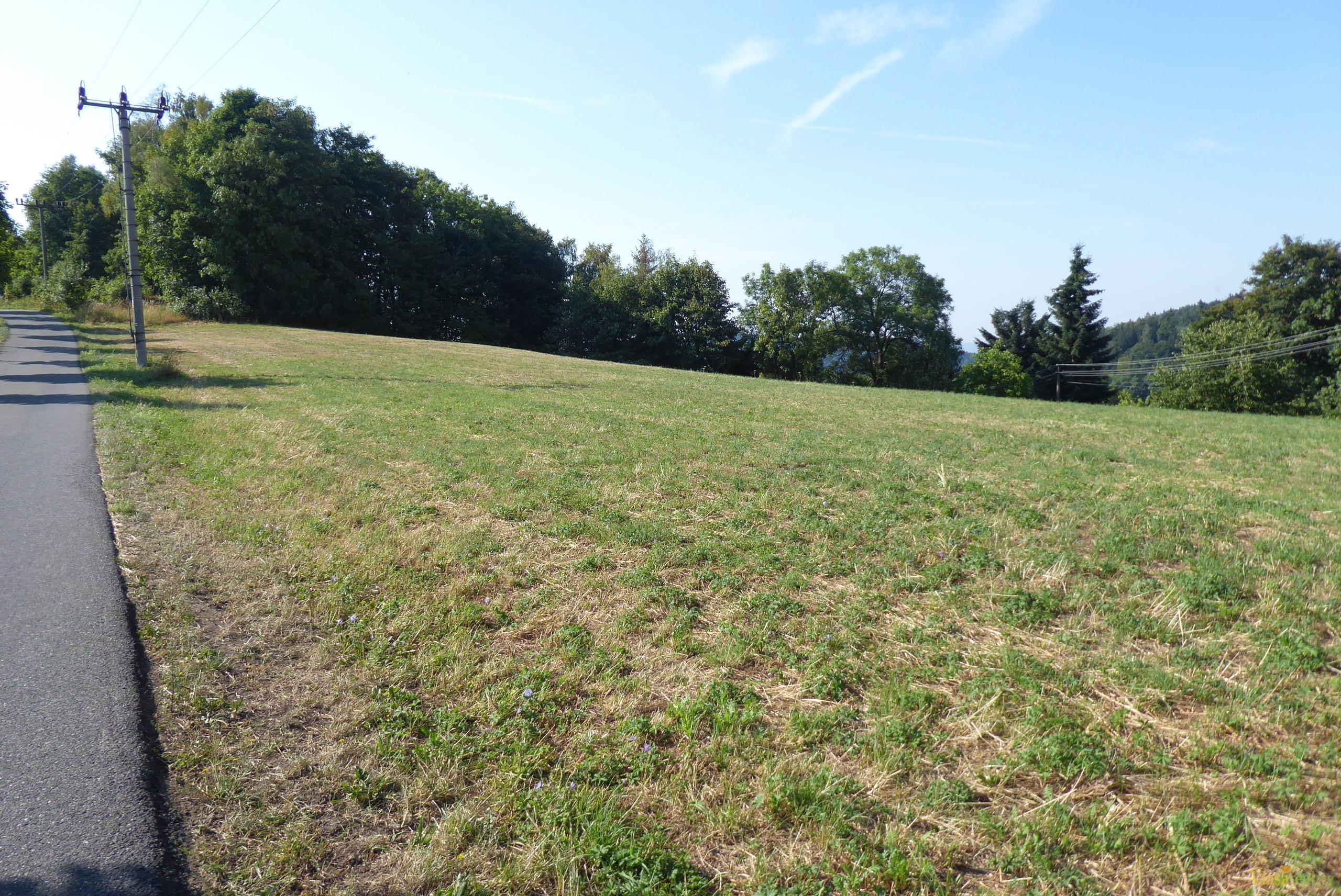 Pozemky ke stavbě několika RD v Pelíkovicích u Jbc.