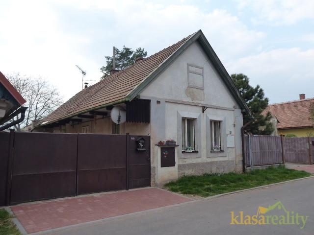 Rodinný domek/chalupa ve Skřivanech u Nového Bydžova.
