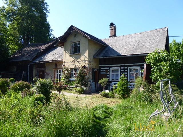 Chalupa/rodinný domek v Žernově nedaleko Českého ráje.