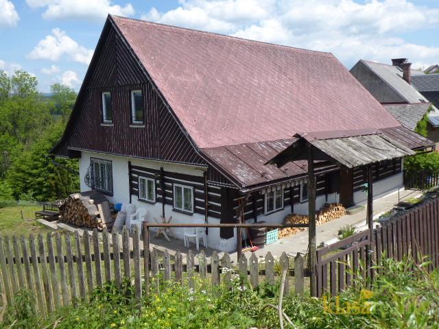 Pěkná chalupa/rodinný dům s výhledem na Krkonoše.